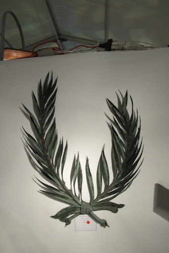I love palm fronds and these couldn't be more elegant.
