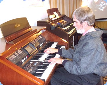 Richard plyaing the magnificent Roland Atelier AT800 organ kindly provided to us for the concert by Music Planet Taharoto Road, Takapuna