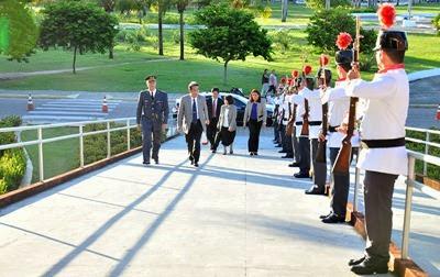 27 03 2014 Governadora recebe Embaixador do Japão fot Vivian Galvão (3)