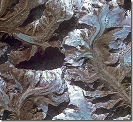3. November. Blacks. Imja glacier Himalayas