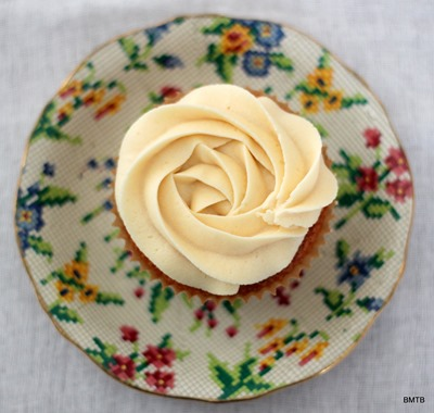 Baileys White Chocolate Cupcakes by Baking Makes Things Better (4)