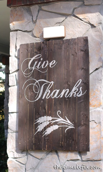 Thanksgiving pallet sign
