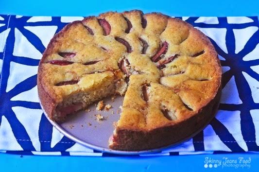 quinoa_ricotta_plum_cake-1LRSJ