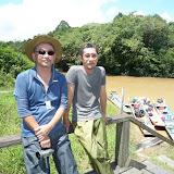 Jelalong川上流域:大竹(L)と石川(R)/ Upstream of the Jelalong River: Mr. Otake (L) and Prof. Ishikawa (R)