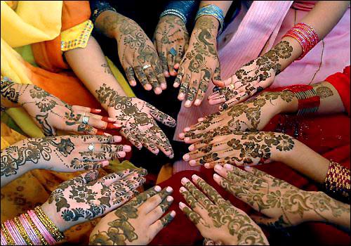 http://lh4.ggpht.com/-CLlVXgI-smg/TIBWvwoEDtI/AAAAAAAAATQ/-nzUabPSdh4/Pakistan_Eid.jpg