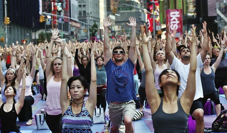 times-square-yoga-8