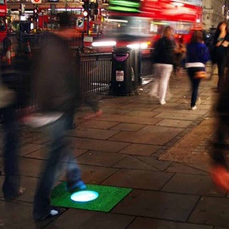 Baldosas que captan energía cinética al andar para luego iluminar