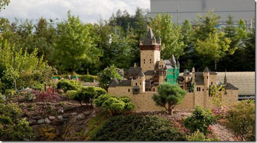 the_craziest_lego_model_is_in_germanys_legoland_640_29