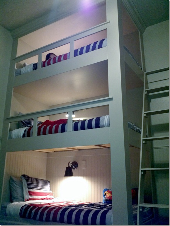 The york family eight triple bunk bed for Bunk beds built into wall