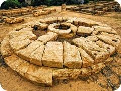 Agrigento_antico-altare-greco