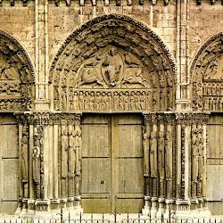 028 Chartres.jpg