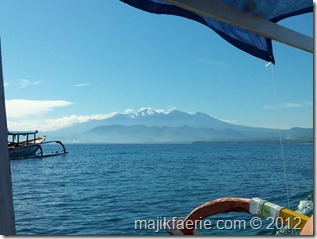 19 snorkelling trip view to Lombok (640x480)