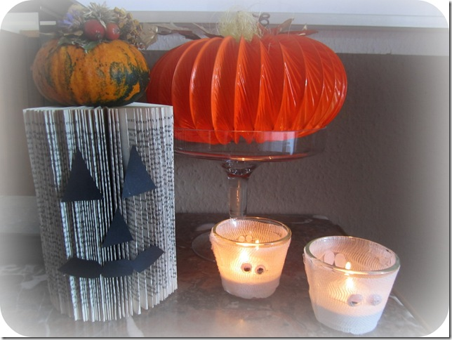recycling paper for halloween: paper pumpkins tutorial