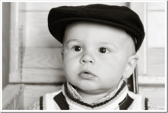 newsboy hat bw