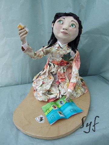 muñeca papel mache 2