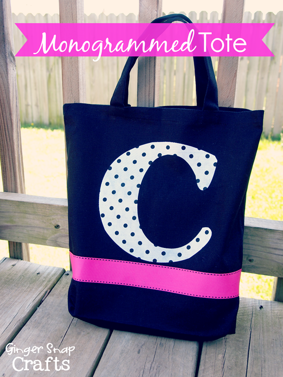 Monogrammed Tote from @gingersnapcrafts.com #Silhouette #fabric #tutorial