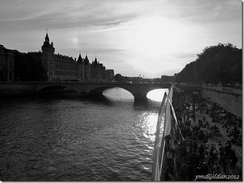 Plage ...Paris ....Plage...