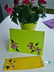 Separadores de libros con flores secas