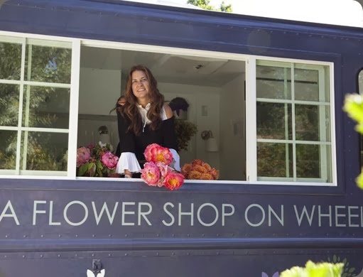 shop on wheels tara grand by the bloom image1