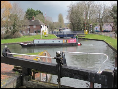 8Aldermaston Lock and Bridge