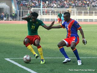 Les léopards de la RDC (rouge-bleu) contre Les lions indomptables du Cameroun (vert-rouge) le 7/10/2011 au stade des martyrs à Kinshasa, score : 2-3. Radio Okapi/ Ph. Apo Matongo