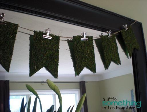 Hanging Sheet Moss Banner