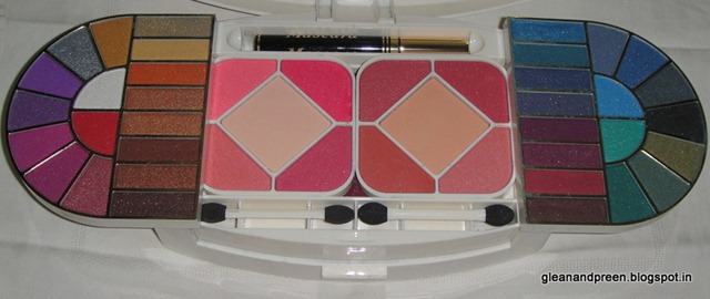 Compacts & Blushes