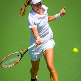 Johanna Larsson US Open 2014 by David Freese - Sports & Fitness Tennis ( sports, tennis, us open, johanna larsson )