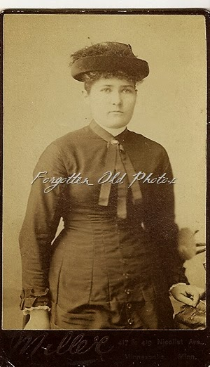 Hat lady Miller photo DL Antiques CDV 1884 to 1889