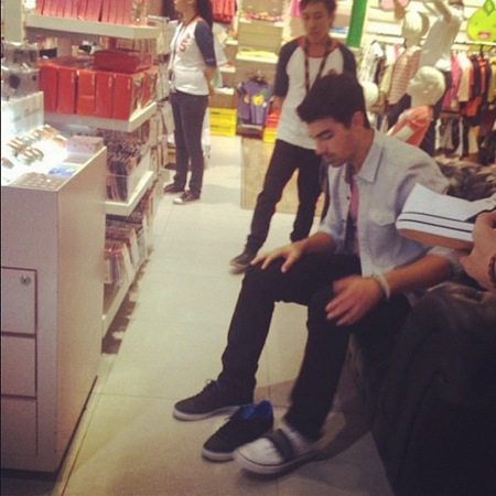 Joe Jonas at Bench Glorietta 5 c