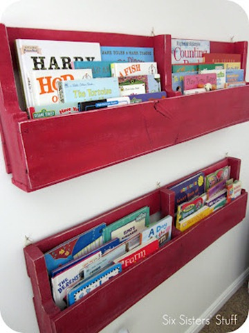 DIY pallet book shelves