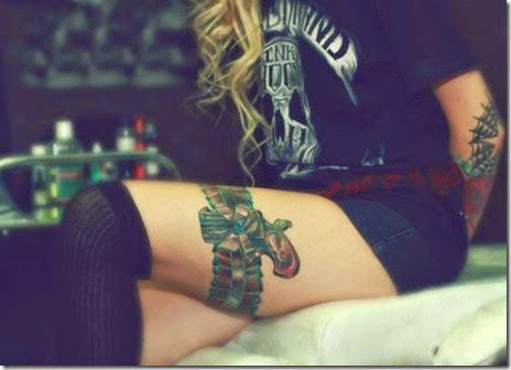 girls-guns-tattoos-029