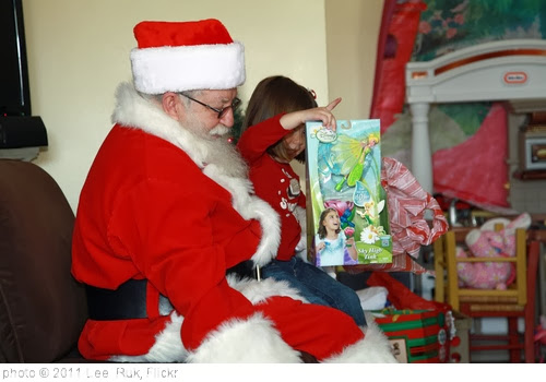 '2011 Dec.Santa Claus ,Albuquerque' photo (c) 2011, Lee  Ruk - license: http://creativecommons.org/licenses/by-sa/2.0/