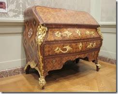 Roentgen-furniture08