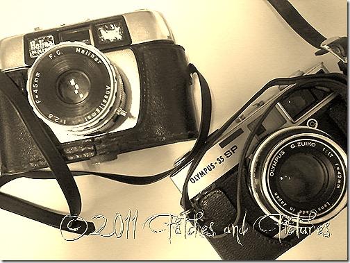 Câmeras fotográficas antigas Halina e Olympus 35 SP