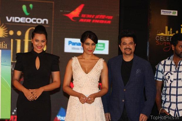 Sonakshi Sinha Hot in Black Short Dress Pics 8
