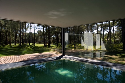 piscina-Casa-Arquitecto-Frederico-Valsassina_thumb[1]