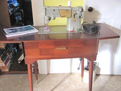 Robins 328 singer sewing machine in cab. cleaned up