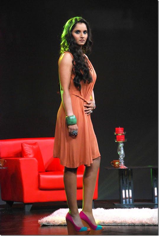 """Shoaib Malik and Sania Mirza on Raveena's show """"Isi ka Naam Zindagi Hai""""i"""