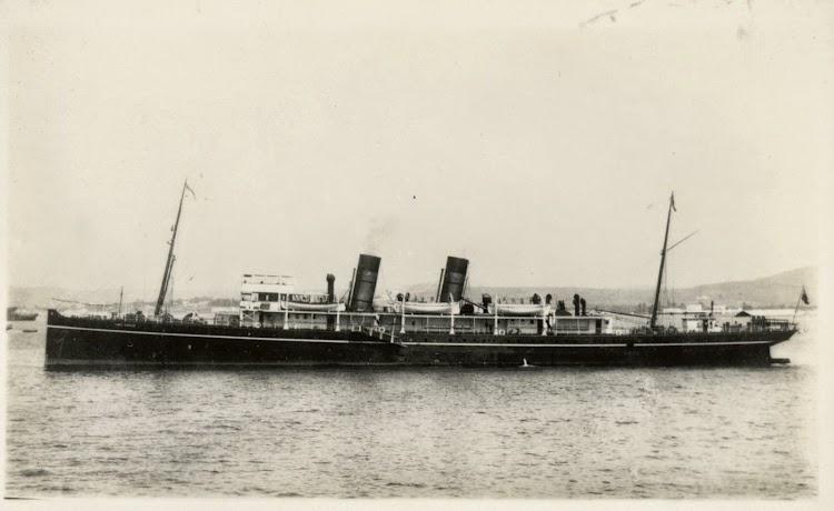 Foto del GIBEL SARSAR fondeado en aguas de Gibraltar. Foto de State Library of New South Wales.jpg