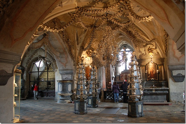 sedlec ossuary entrance