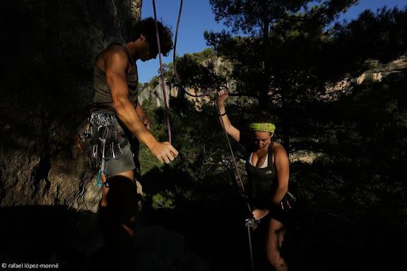 Escalada a les parets de la Siuranella, davant Siurana.Serra de la Gritella, Muntanyes de Prades.Cornudella de Montsant, Priorat, Tarragona