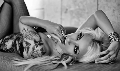 more_ beautiful_ tattooed_ women_ (1)