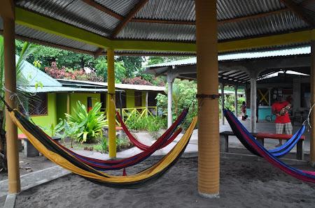 Cazare Costa Rica: hamace la Hotel El Icaco Tortuguero