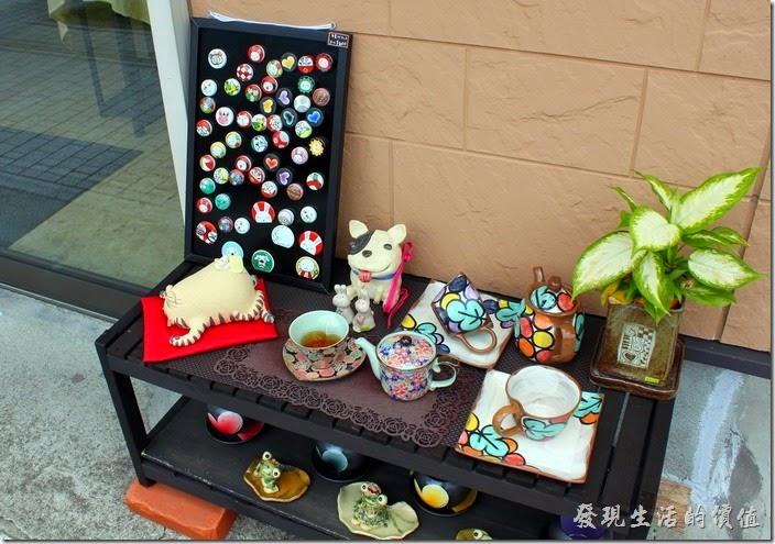 除了加菲貓之外,這裏還有好多有趣的陶瓷作品。