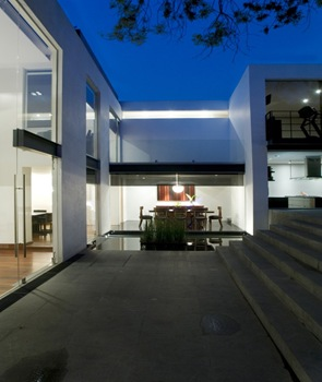Fachada casa lomas de chapultepec