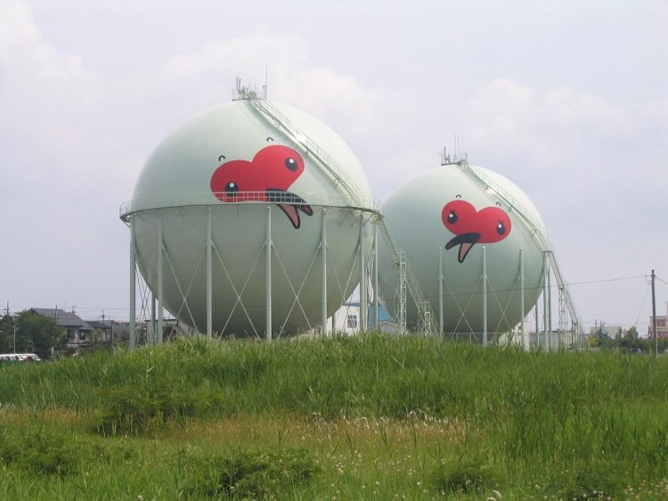 decorated-gas-tanks-japan-6