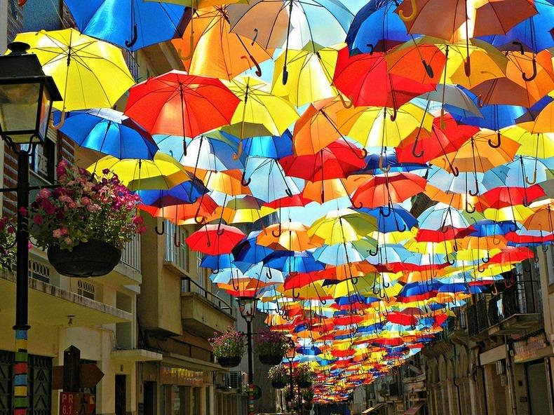 雨の日はおしゃれな傘で気分を晴れに◎!