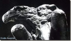 MARQ - Detalle del pomo bicéfalo