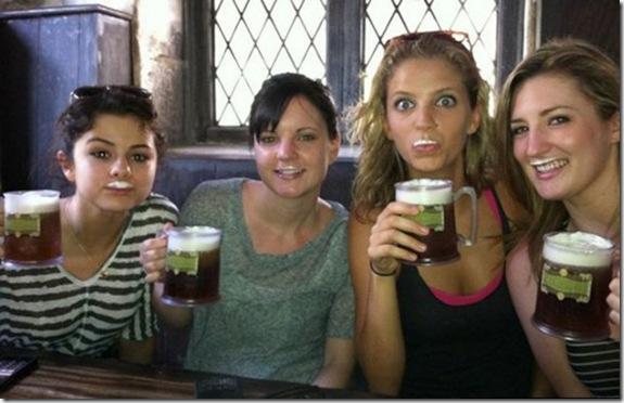 sexy-celebs-drink-beer-8466cf
